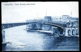 Cpa  Italie Taranto -- Ponte Girevole Semi-chiuso  AO52 - Taranto
