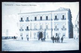 Cpa  Italie Taranto -- Piazza Castello E Municipio    AO52 - Taranto