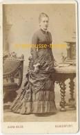 CDV En 1882-femme élégante Dans Beau Décor- Photo Alois Beer à Klagenfurt- Autriche- Osterreich-mode - Fotos