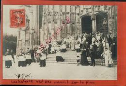 TIRAGE  Argentique Albuminé  BEAUVAIS  Sortie De La Cathédrale  Fête Jeanne Hachette  1911  NOV  2014 DIV 271 - Beauvais