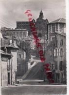 43 - LE PUY EN VELAY - RUE DES TABLES ET LA CATHEDRALE - Le Puy En Velay