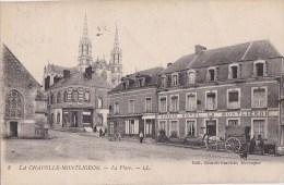 61 LA CHAPELLE MONTLIGEON  Place Animée  ATTELAGE  Maison HAVARD  HOTEL Du Montligeon Timbrée 1946 - Frankreich