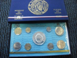 COFFRET BU FRANCE 1977 FDC OFFICIEL DE LA MONNAIE DE PARIS Dont La 50 Francs En Argent - Z. FDC