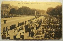Cpa Cpsm LOURDES Bénédiction Des Malades Sur L'esplanade 2 Scans Postcard Ancienne Carte Postale - Lourdes