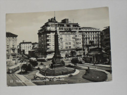 MILANO - Piazza E Monumento Alle 5 Giornate - Tram / Filobus - 1953 - Milano
