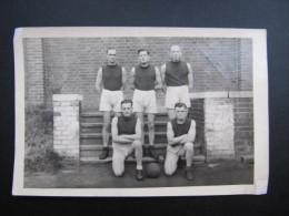 PHOTO (M42) STALAG VI F (2 Vues) MULHEIM / RUHR Groupe De Militaire En Habit De Sport Dim 10x15cm - Guerre, Militaire