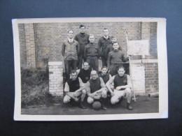 PHOTO (M42) STALAG VI F (2 Vues) MULHEIM / RUHR Groupe De Militaire En Habit De Sport Dim 15x10cm - Guerre, Militaire