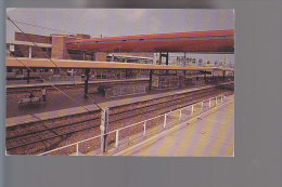 Cpsm ,   La Gare Ultra Moderne  ,  Voyagé - St. Quentin En Yvelines