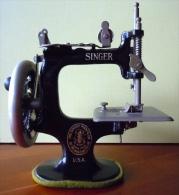 MACHINE A COUDRE SINGER N°20 JOUET ENFANT 1925 - Jouets Anciens