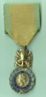 MEDAILLE VALEUR ET DISCIPLINE 1870 - Médailles & Décorations