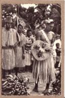 OCEANIE - POLYNESIE FRANCAISE - ILES ET ATOLIS DU PACIFIQUE - EXPEDITION MARCEL TALABOT - 4 - HOMMES - RITES - BOUCLIER - French Polynesia