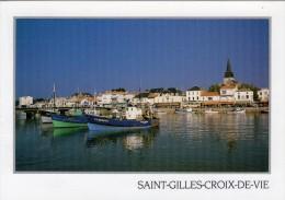 85 - ST- GILLES-CROIX-DE-VIE - Le Port Et L'église De ST-Gilles. - Saint Gilles Croix De Vie