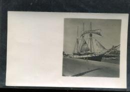 photographie  - foto   - photo Saint malo bateau avec publicit� le mus�ee  du Terreneuvas