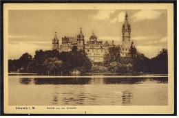 Schwerin  -  Schloss von der Seeseite  -  Ansichtskarte ca. 1920   (3830)