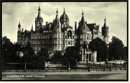 Schwerin  -  Schloss von der Stadtseite  -  Ansichtskarte ca. 1930   (3831)