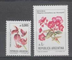 PAIRE NEUVE D'ARGENTINE - FLEURS (SERIE COURANTE 1985) N° Y&T 1479/1480 - Other
