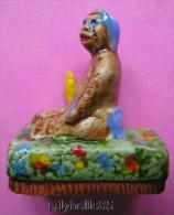 Feve artisanale am�ricaine en porcelaine - GORILLE BEBE KONG 2014 ( feves ) RARE