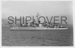 destroyer USS DD696 ENGLISH (US Navy) - photo E. Emery - bateau/ship/schiff