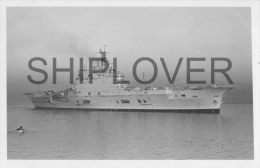 porte-avions HMS ARK ROYAL (Royal Navy) - photo E. Emery - bateau/ship/schiff