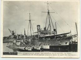 PHOTO PARIS-SOIR -La 6em flotille de sous-marins anglais dans le port de Portland; Photo ann�es 40/50 Format 20x15cm