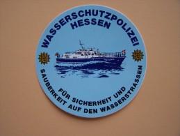 """Autocollant PUBLICITAIRE """" WASSERSCHUTZPOLIZEI HESSEN  """" Publicité Police Allemande Land Hessen  Sur Le Rhein - Police & Gendarmerie"""