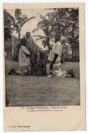 Congo Français--BRAZZAVILLE--Prière Sur La Tombe D'un Camarade (très Animée) N°26  Coll Leray - Congo Français - Autres