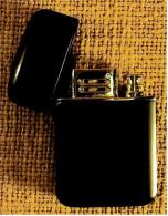 Gas-Feuerzeug Von Kingstar ,  1980er Jahre - Feuerzeuge