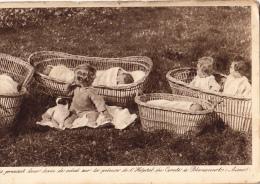 02 Blerancourt   Bebes  Prenant Leur Bain De Soleil