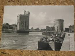 Lot 91 *  La Rochelle Le Port à Marée Basse Bateau à Quai Chalutier Bateau De Peche Port - La Rochelle