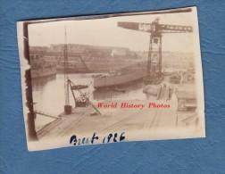 Photo ancienne - BREST ( Finist�re ) - Beau bateau et Grue au Port - Navire de Guerre - 1925 - Marine Nationale Marin