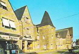 24100 PIRIAC Vieilles Maisons Du XVII ès Place De L'Eglise 1505  Edicap -maison Presse -confection Couvert