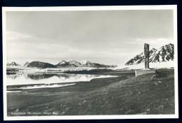 Cpa  De Norvège Amundsens Mindesten , Kings Bay     HIV2 - Norwegen