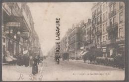 80----LILLE--La Rue Nationale--attelage-barriques--commerces---animé - Lille