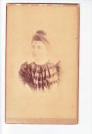 24125 Photo Femme Format Carte Visite Photographe Emile Tiger Rue Calvaire Nantes France - Personnes Anonymes