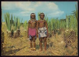 MUANHA 2 Pretty Young Women / Ethnic UMBUNDO Nude / Nue. Vintage Postcard BENGUELA / ANGOLA Africa - Angola