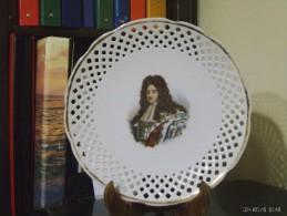 """Piatto TraForato Con Effige Di Luigi XIV """"   Ceramica  VICTORI  Czecho - Slovakia -  Larghezza Cm 25,5 - Ceramica & Terraglie"""