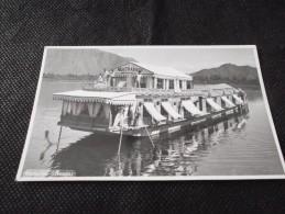 photo     inde    mahatta  srinagar    bateau    restaurant   sur l eau