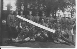 Groupe De Soldats Allemands Bay.18 Inf.Regt.noms Des Hommes Inscrits Au Crayon Sur La Photo 1 Carte Photo 14-18 Ww1 Wk1 - War, Military