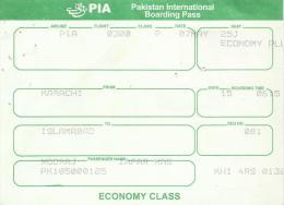 PIA (PAKISTAN INTERNATIONAL AIRLINES) USED BOARDING PASS ECONOMY CLASS - Tarjetas De Embarque