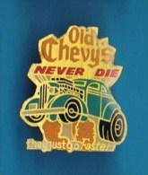 PIN´S //    .  CHEVROLET OLD CHEVYS - Corvette