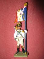 Soldat En Plomb - Officier Porte-drapeau Du 4ème Régiment De Ligne (armée Napoléon) - Starlux