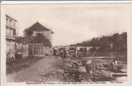 CPA   d�p  87 Saint Junien le Quai des M�gisseries et le pont Notre Dame  anim� non circul�e