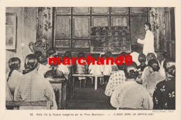 Chine Ile De Formose évangélisée Par Les Pères Dominicains Classe Dans Un Orphelinat - Formose