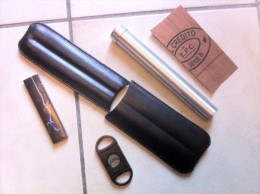 Lot étuis à Cigare + Coupe Cigare - Cigar Cases