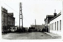 CP/PHOTO Marloie - La place de la Gare / station - RARE - 1947? - anim�e - TRAM -