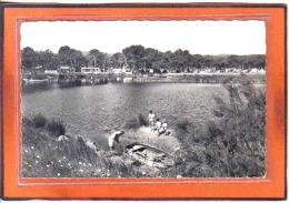 Carte Postale 83. Saint-Aygulf  Le Camping  Trés Beau Plan - Saint-Aygulf