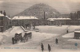 Bruyeres - Place Stanislas L'hivers  - Scan Recto- Verso - Bruyeres