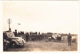 4 OLDTIMER CARS, Small AIRPLANE - England - Automobiles