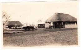 ANTIQUE AUTOMOBILE - Countryside, Building-site - Automobiles