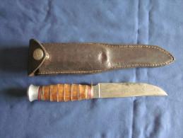 Couteau De Chasse Ou Scout Marque SABATIER - Armes Blanches